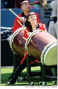 oneworldtaiko_dailailama_seattle